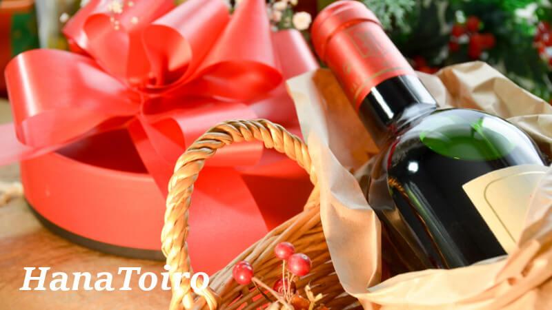 クリスマスプレゼントに花とワイン